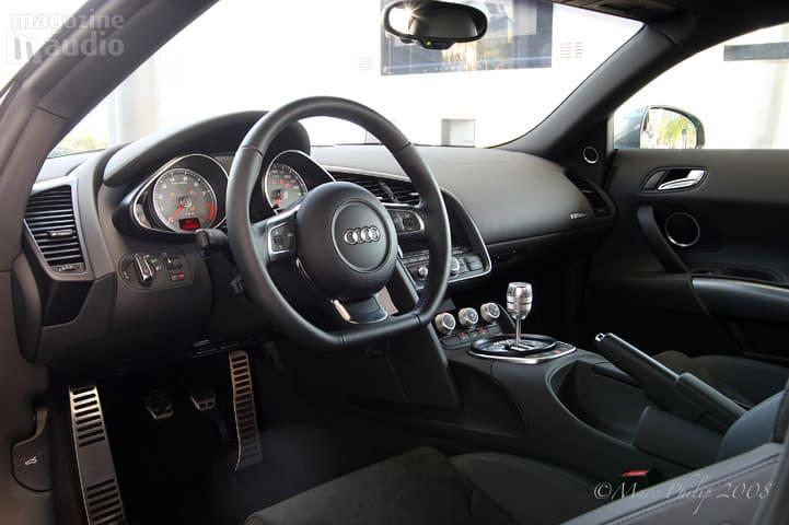 automobile Audi R8 intérieur