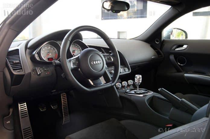 Audi A8 tableau de bord