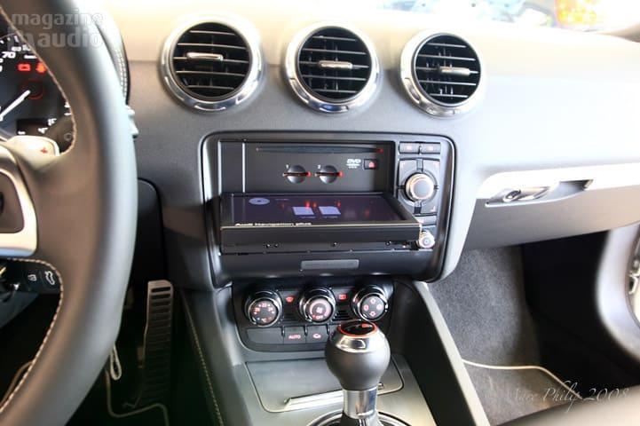 automobile Audi TT-S dashboard