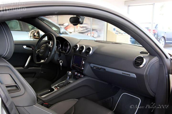 habitacle automobile Audi TT-S