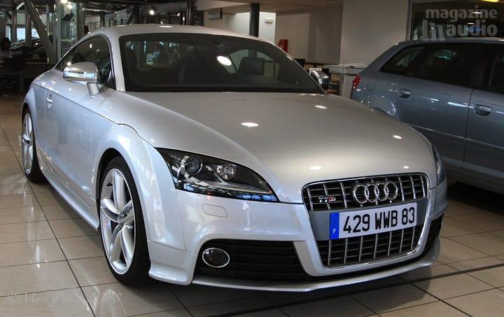 automobile Audi TT-S