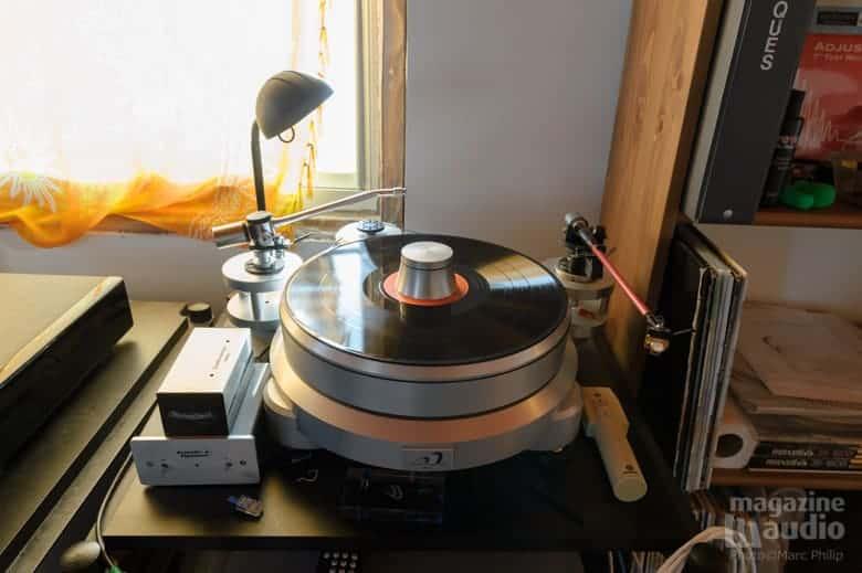 Platine analogique Allemande Acoustic Signature, bras Funk modèle F.XR-II