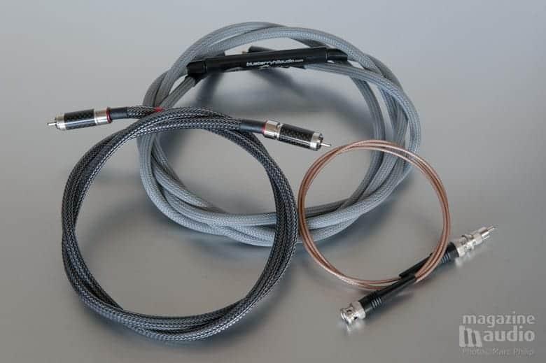 Les trois modèles de câbles numériques essayés avec le Relay.