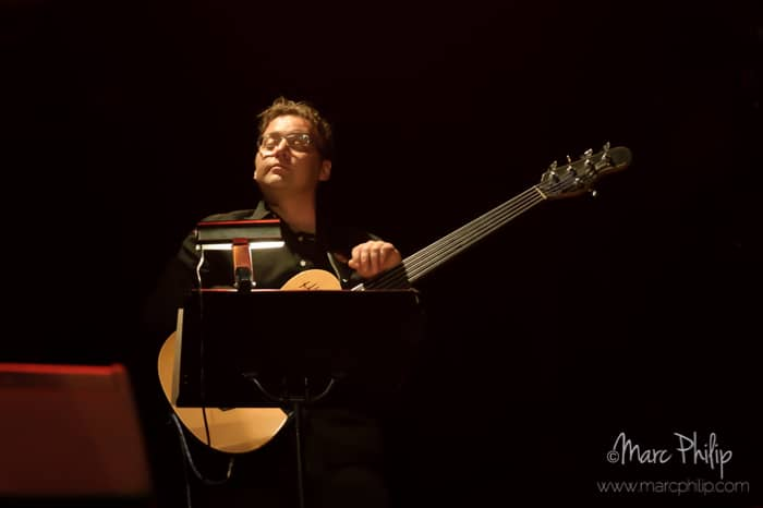 Cédric Allard, guitare et contre-basse.