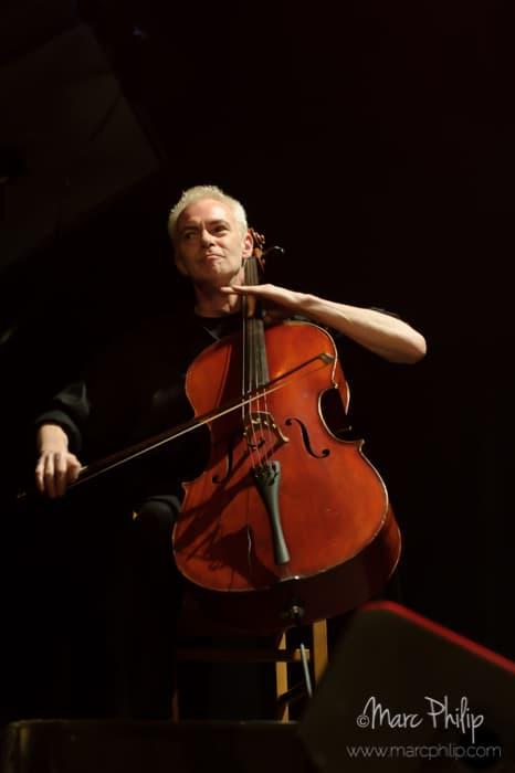 Claude Lamothe au violoncelle