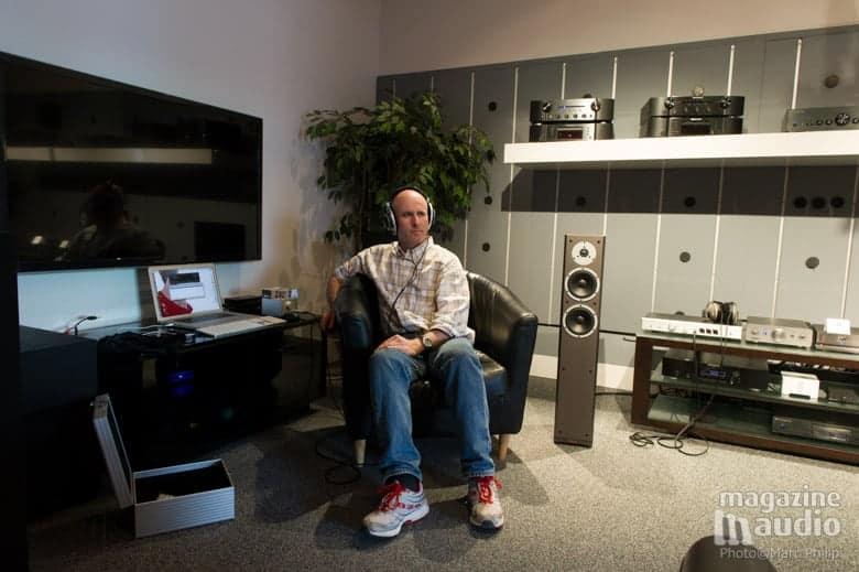 Moi, lors des écoutes comparatives d'amplis d'écouteurs chez www.brosseau.ca
