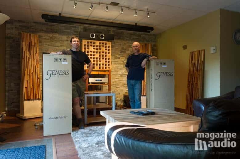 De gauche à droite Alain Provencher et Moi entourés des deux boites contenants les G7.2f