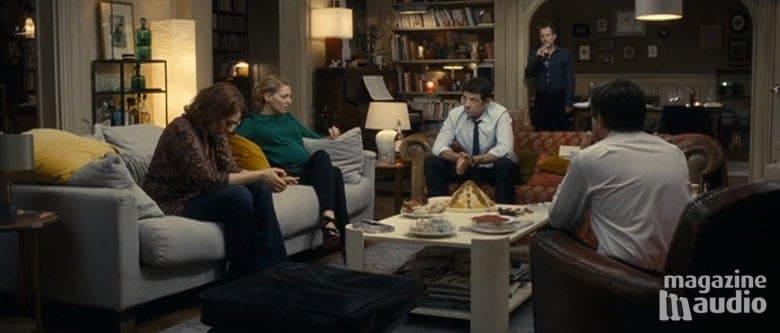 """Les amis autour de la table, dans le film """"Le prénom""""."""