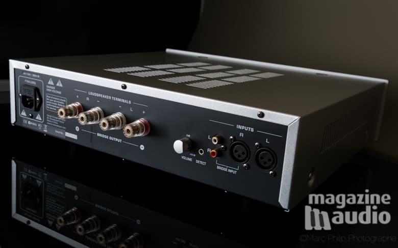 Vue arrière de l'amplificateur BC Acoustique EX522