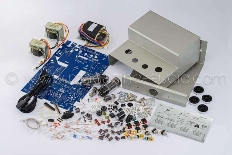 L'amplificateur TU-8200 en kit