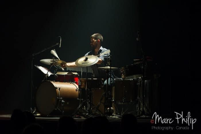 L'excellent percussionniste de Dan Bigras au Pavillon Arthabaska de Victo