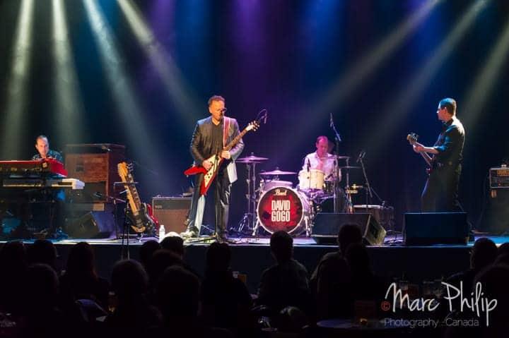 David Gogo et ses musiciens lors de son spectacle du Pavillon Arthabaska de Victoriaville.