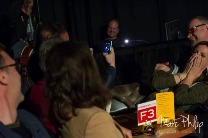 David Gogo en mode selfie avec le public