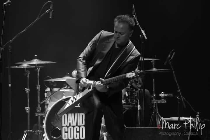 David Gogo lors de son spectacle du Pavillon Arthabaska de Victoriaville.