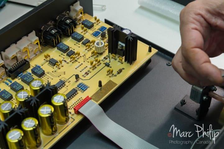 Helixir Audio à cœur ouvert lors de l'assemblage.