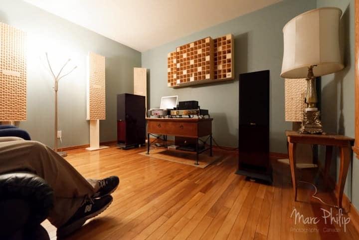 traitement acoustique dans une petite pièce à vivre